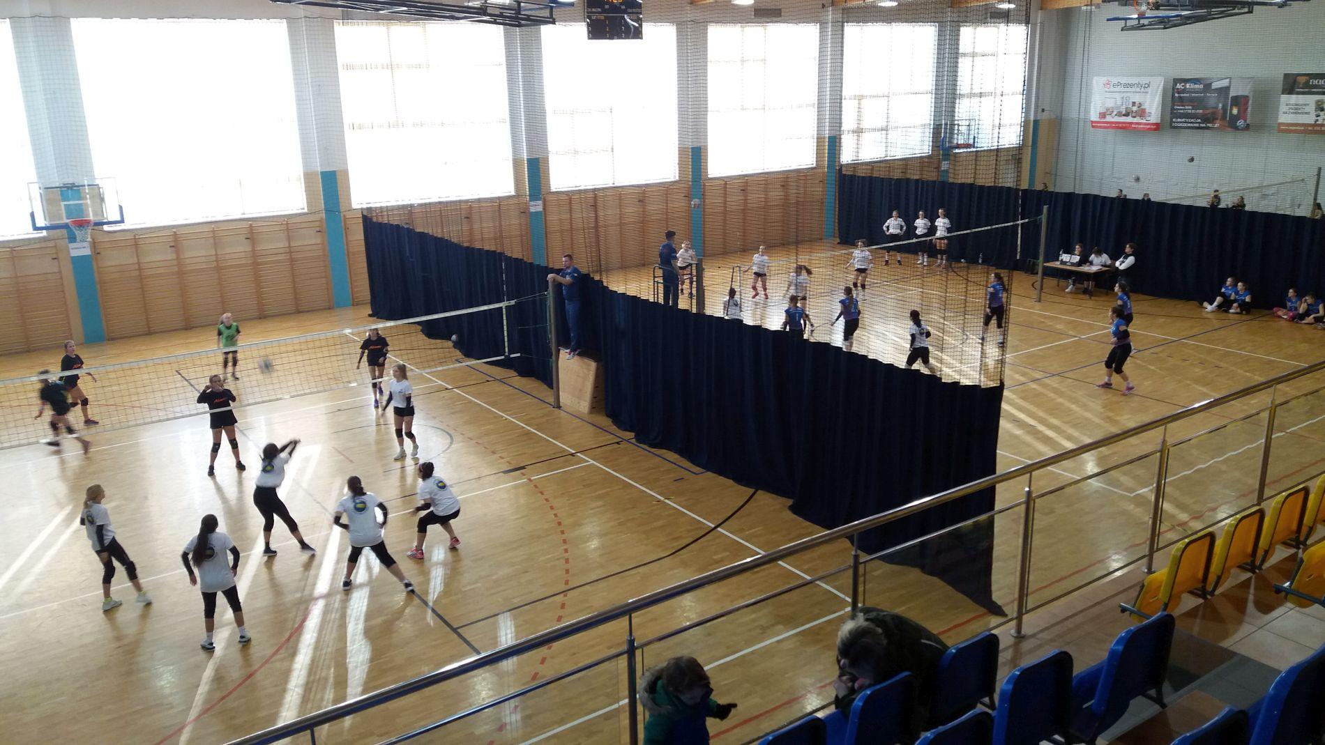Pierwszy Turniej Piłki Siatkowej Dziewcząt o Puchar Wójta Gminy Cmolas