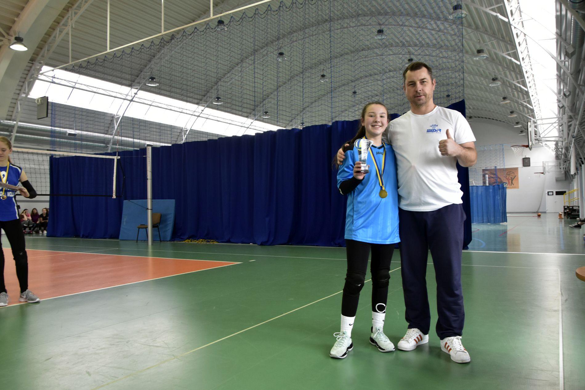 Zawodniczki z PSP nr 12 najlepsze w Igrzyskach Dzieci w Siatkówce Dziewcząt